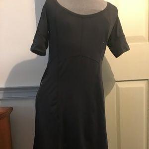 Columbia dress with zipper pockets
